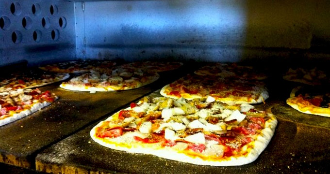 Faraci's Pizza is one of the oldest family owned pizza parlors in St Louis!